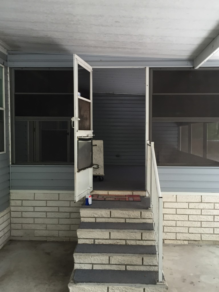 Right Side Entrance. BIG Screen Porch