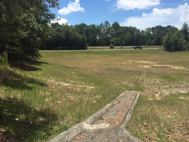 0.75 acres right of land