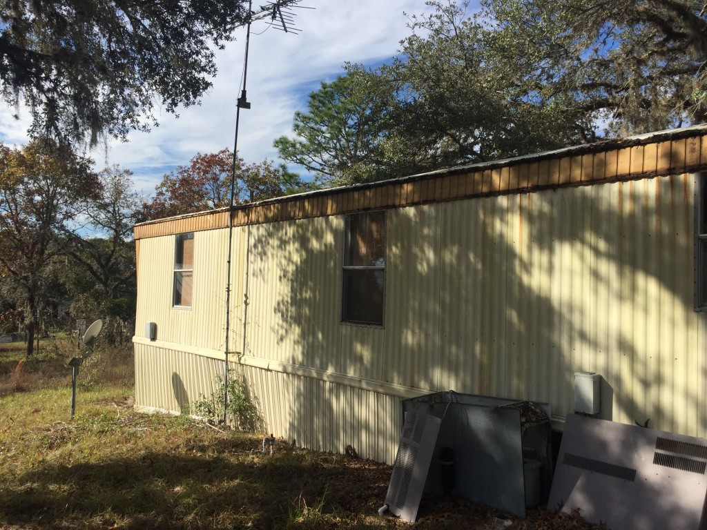 3 bedroom 2 bath Mobile Home Ocala 1 Acre A1