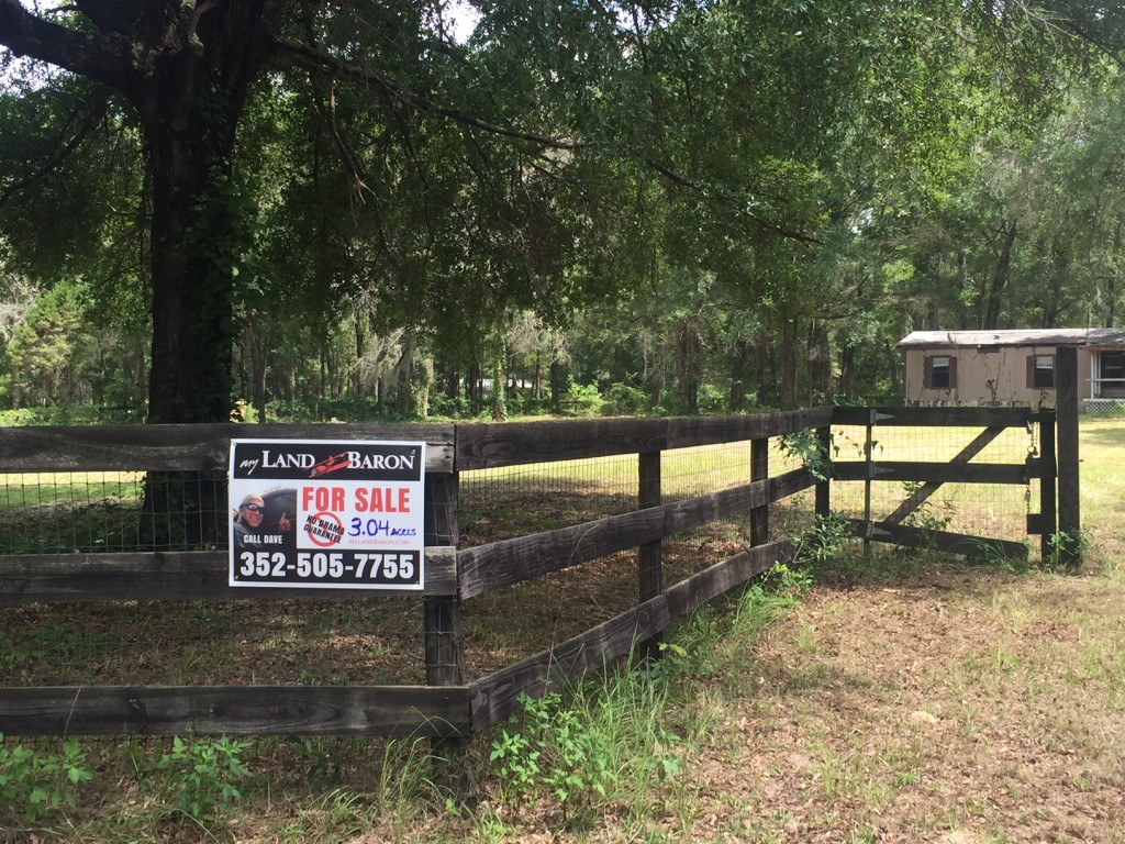 Mini Farm Sign